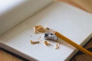 Praca doktorska – kiedy zlecić redakcję lub korektę tekstu?